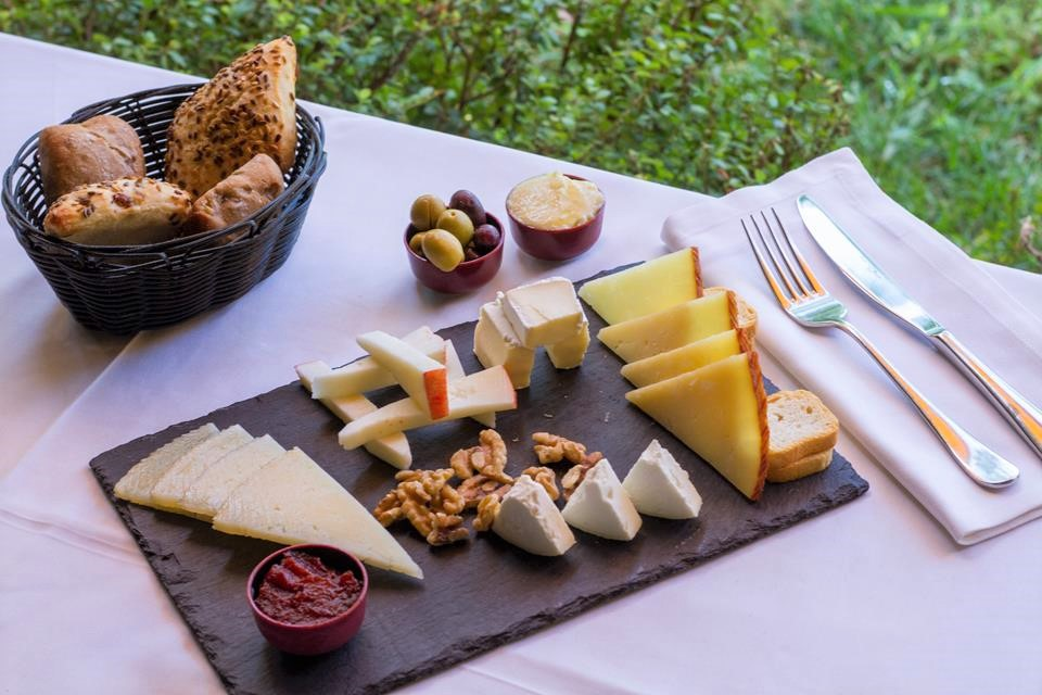restaurante restaurant Hotel Tossal d'Altea quesos cheeses